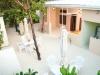 swell-outdoor-garden-dinning-juice-bar-daylight